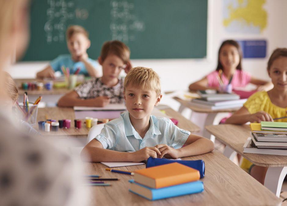"""Psychologowie apelują o """"Tydzień ulgi"""" dla uczniów. Bez klasówek, odpytywania, prac domowych"""