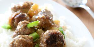 pulpety, pulpeciki, ryż, sos, śliwki, mięso