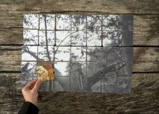 Puzzle układają się w wizerunek szczęśliwej kobiety