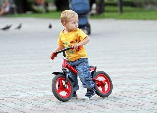 Szukasz najlepszego rowerka biegowego? Zobacz 8 naszych propozycji!