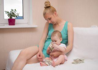 rekordowe zasiłki macierzyńskie