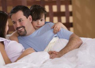 rodzice, mama, tata, dziecko, łóżko, sex, rozmowa