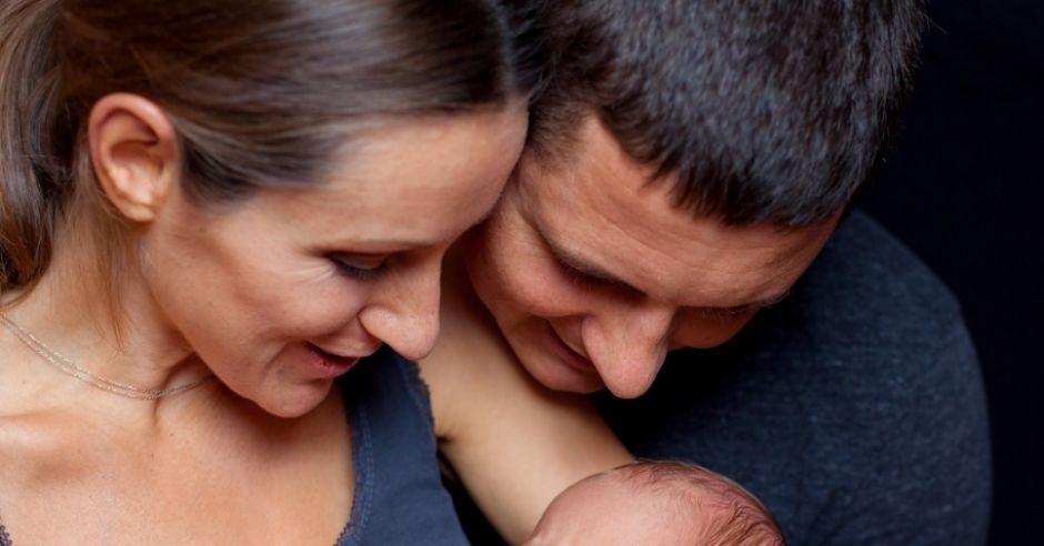 rodzice, noworodek, niemowlę, dziecko, mama, tata