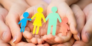 Rodzina, dłonie, rodzice, dziecko, in vitro, inseminacja