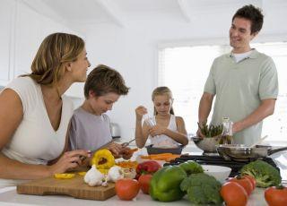 rodzina, kuchnia, warzywa