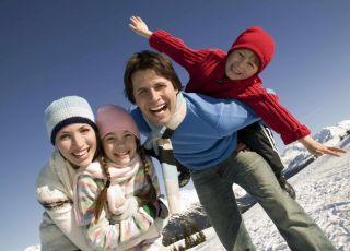 Rodzinne zabawy na śniegu