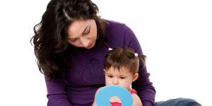 rozwój mowy, niemowlę, zabawy logopedyczne