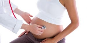 rzucawka ciążowa, ciąża, kobieta, lekarz, badanie w ciąży
