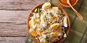 Sałatka z makaronem, jajkiem i serem - przepisy na Babyonline.pl