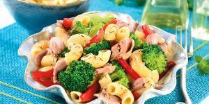 Sałatka z tuńczykiem i brokułem - przepisy dla dzieci na Babyonline.pl