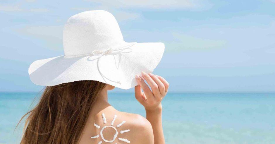 samoopalacz w ciąży, filtr UV w ciąży, ostuda, maska ciążowa, opalanie w ciąży, filtr przeciwsłoneczny, krem z filtrem UV