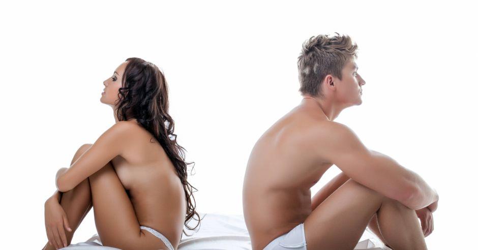 Seks, współżycie, para w łóżku, kobieta i mężczyzna, seks na zdrowie, zalety seksu, wulwodynia, ból w pochwie