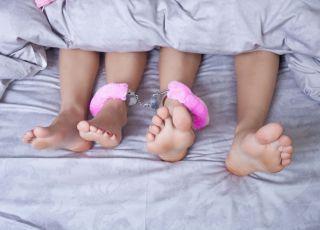 seks, współżycie, seksoholizm, łóżko, kobieta, mężczyzna, pościel