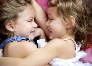 siostry, bliźnięta, rodzeństwo