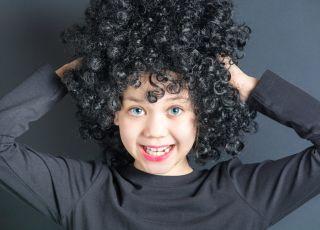 siwe włosy u dziecka