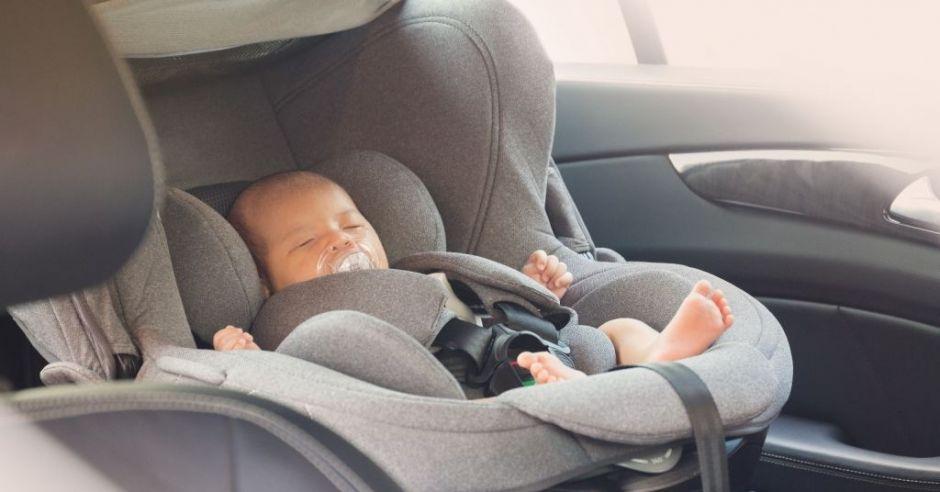 Śmierć łóżeczkowa w foteliku samochodowym
