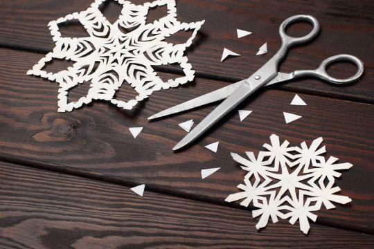 ozdoby choinkowe z papieru - śnieżynka