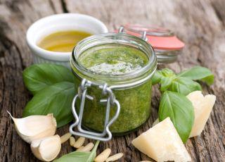 sos, pesto, bazylia, oliwa, parmezan, makaron