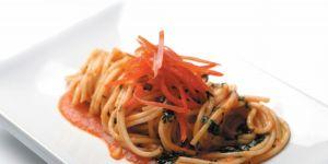 spaghetti, sos paprykowy, danie