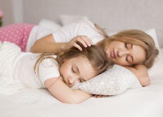 Mamy dla was listę powodów, dla których warto spać z dzieckiem