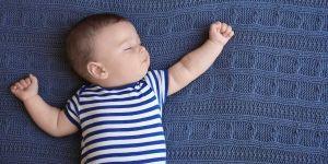 Śpiworek dla niemowlaka do spania