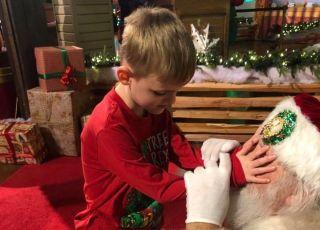 Spotkanie niewidomego chłopca ze Świętym Mikołajem