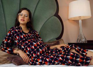 sukienka ciążowa we wzory geometryczne super modna