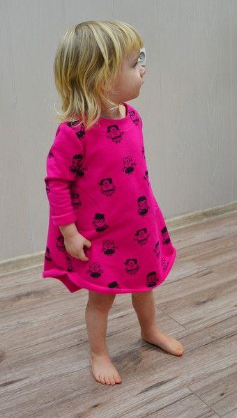 sukienka dresówka w minionki różowa 55zł dawanda.pl evita.JPEG