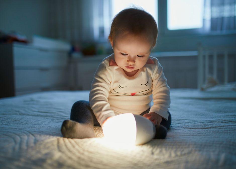 światło utrudnia zasypianie