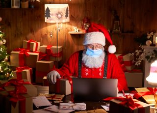 Święty Mikołaj odporny na koronawirusa