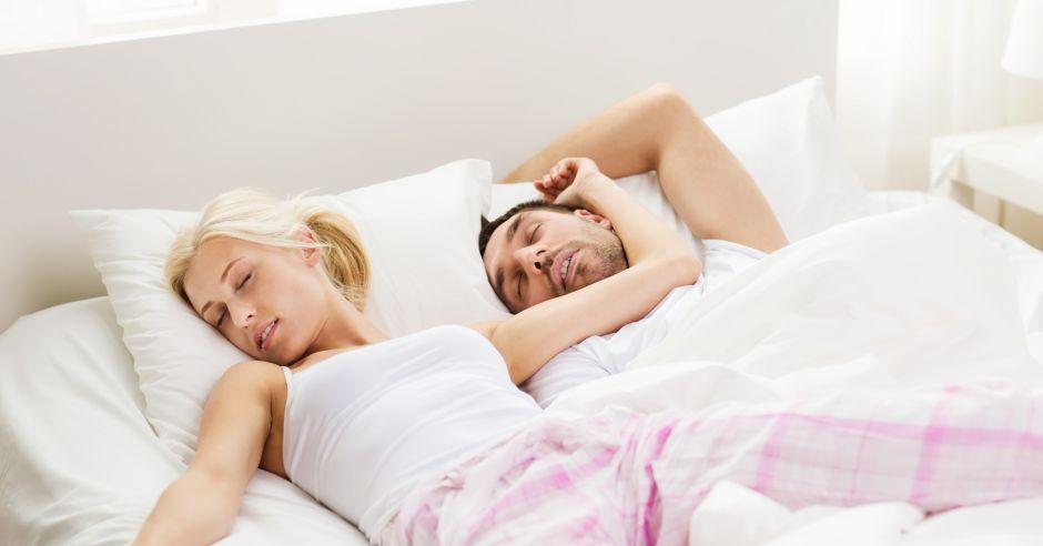 sypialnia, kobieta, mężczyzna, para, stres, zmęczenie, seks