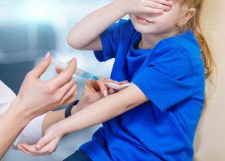 szczepienia dzieci na covid w szkołach