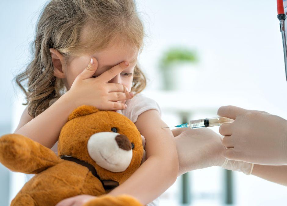 szczepienie, szczepienie dziecka, szczepionka na koronawirusa