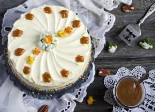 Szybki tort orzechowy