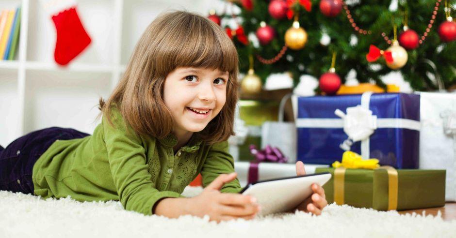 tablet dla dziecka, smartfon dla dziecka, komputer dla dziecka, dziecko w internecie, bezpieczeństwo w sieci, gry online dla dzieci