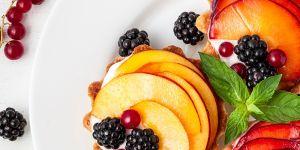 Tartaletka owsiana z brzoskwinią i tymiankiem - przepis