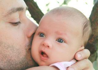 tata i dziecko, urlop ojcowski, urlop tacierzyński, tata i niemowlę