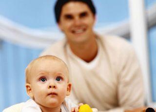 tata, niemowlę, zabawki