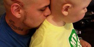 Tata wytatuował sobie bliznę na znak solidarności z chorym synem