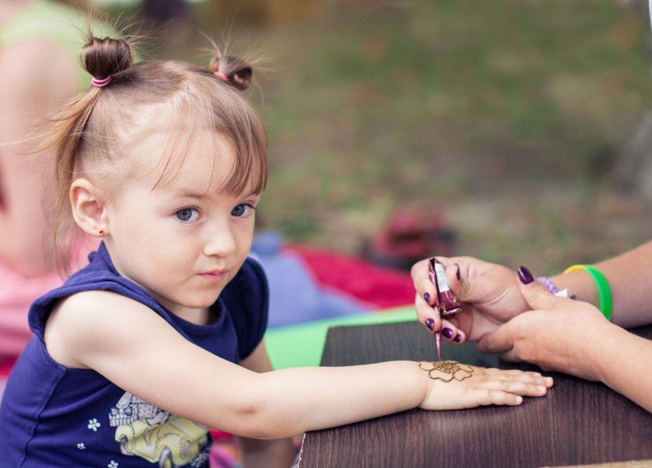 Czy Tatuaż Z Henny Dla Dziecka To Dobry Pomysł Foto