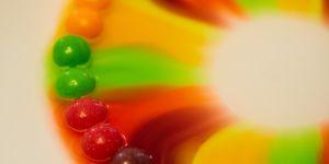 tęcza z cukierków