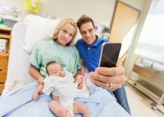 Czy powinno się zabronić używania telefonów na porodówkach? Gdzie jest granica?
