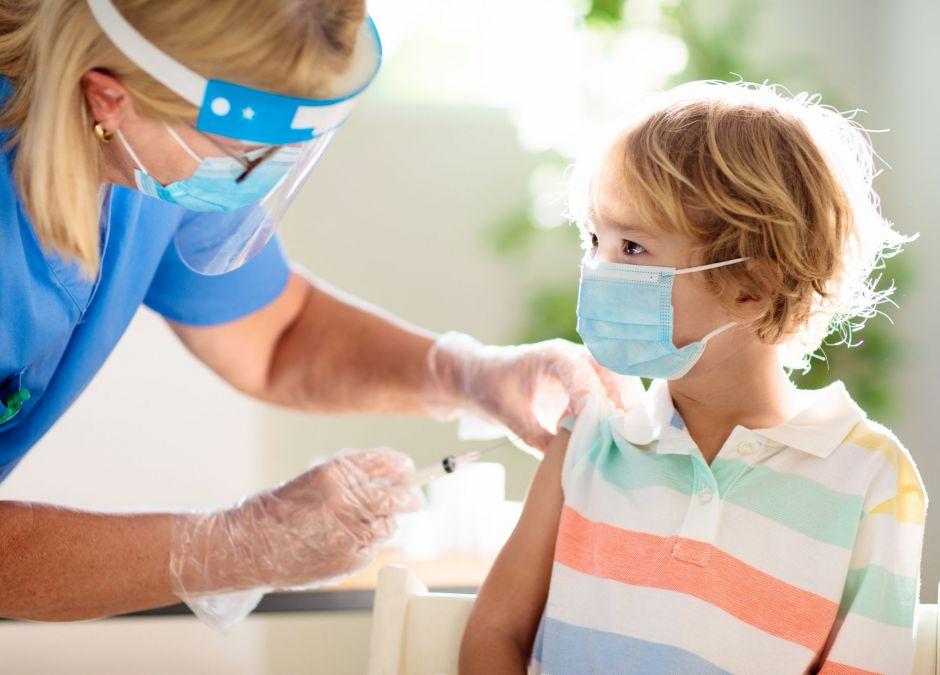 testy szczepionek na covid na dzieciach