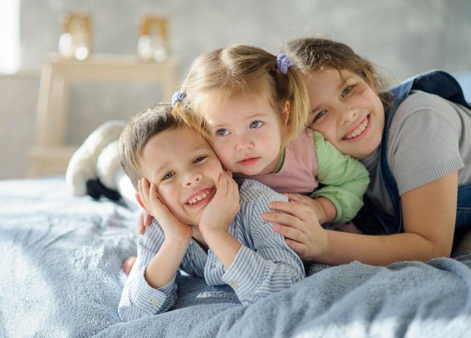 Troje rodzeństwa
