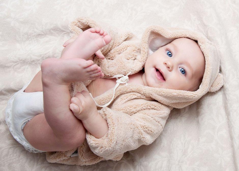 uśmiech, dziecko, maluch, szlafrok, optymista