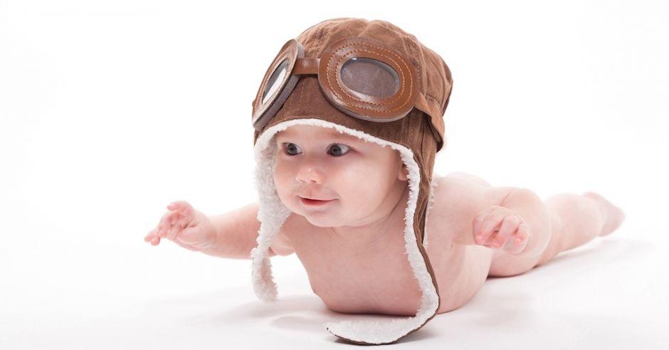 W ciągu 1 roku życia niemowlę odkrywa to, co najważniejsze dla jego dalszego rozwoju