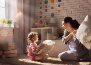 w co się bawić z dzieckiem w domu jesienią?