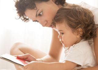 w jakim wieku dziecko czyta