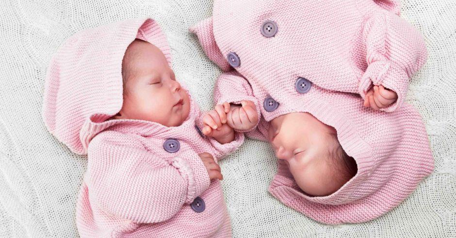 waga noworodka, ile waży noworodek, wzrost noworodka, noworodek gigant, mały noworodek, masa ciała noworodka