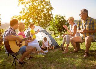 wakacje z dzieckiem pod namiotem